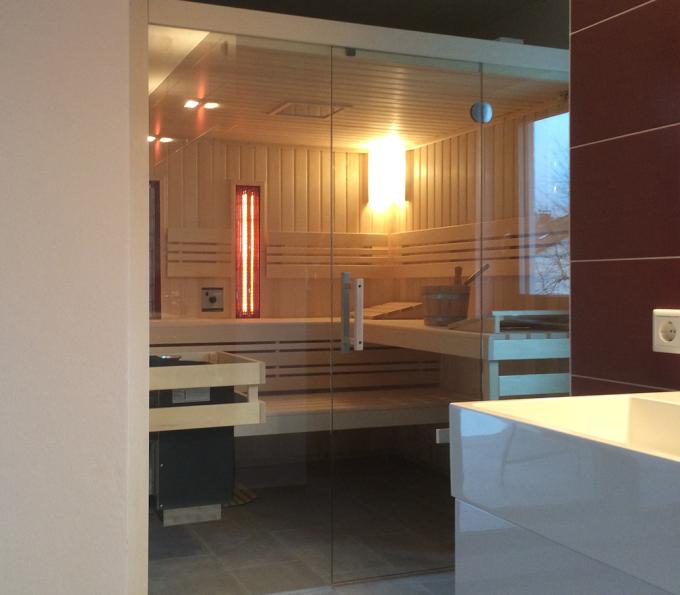 badezimmer mit integrierter sauna fleesensee. Black Bedroom Furniture Sets. Home Design Ideas